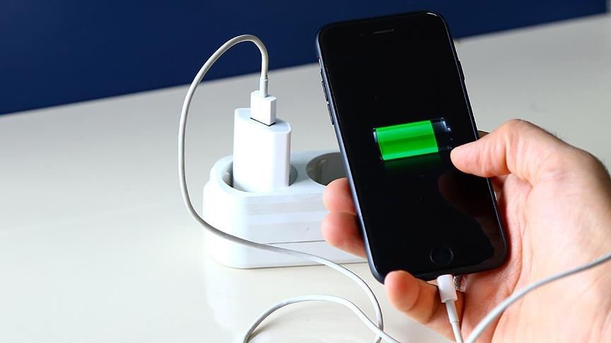 Akıllı telefonların pil ömrünü üçe katlamanın yolu