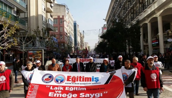 Laik Eğitim ve Emeğe Saygı Yürüyüşünde Soma'da Duygu Dolu Anlar