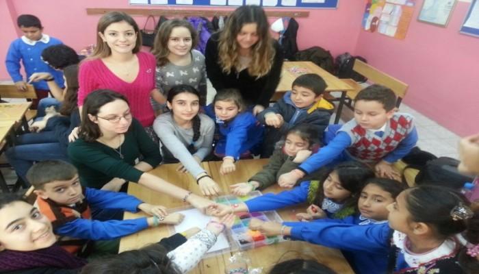 Liselilerden Minik Öğrencilere Sürpriz Ziyaret