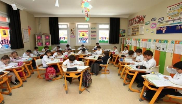 İlkokul Çocukları Ailelerinden Şikayetçi!