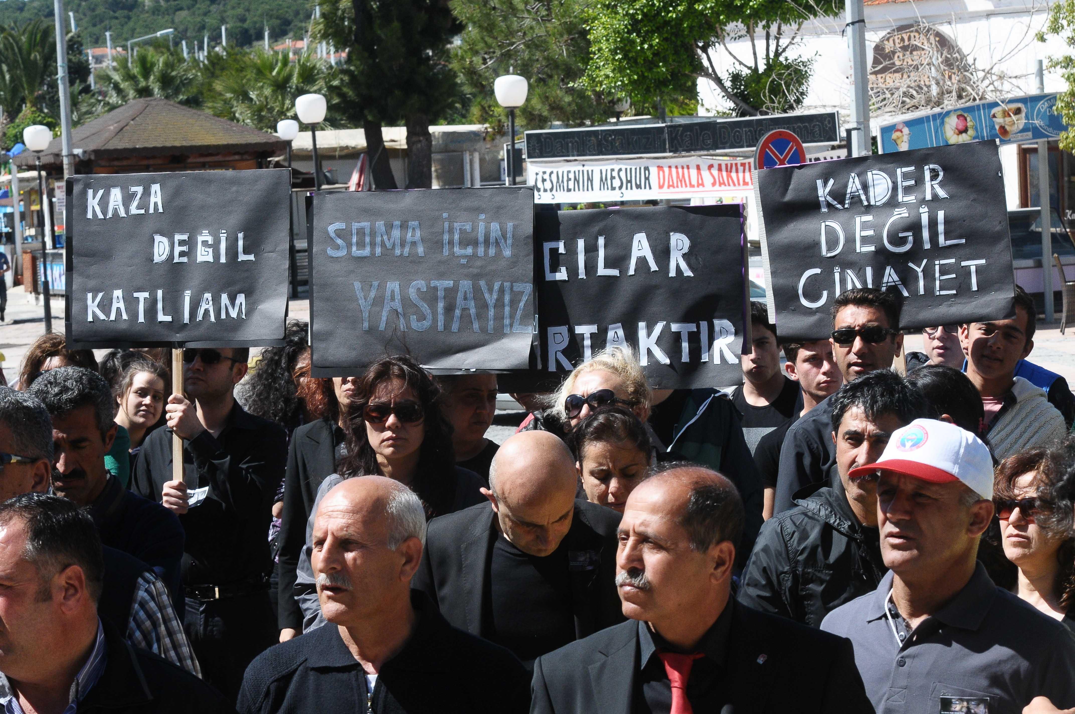 Hükümeti 'sessiz' protesto ettiler